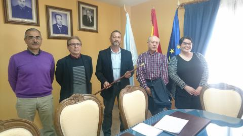 José Luís Álvarez, segundo pola dereita da foto,  o día de constitución da corporación municipal no 2019
